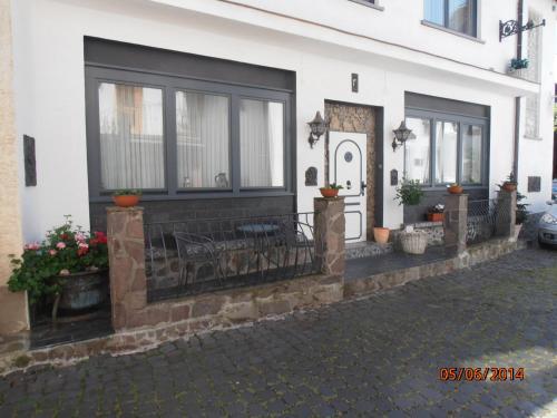 """Hotel Pictures: Ferienwohnung """"Taroona"""", Pünderich"""