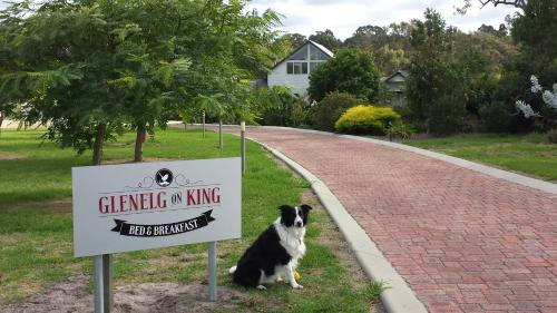 Foto Hotel: Glenelg on King Bed & Breakfast, Willyung