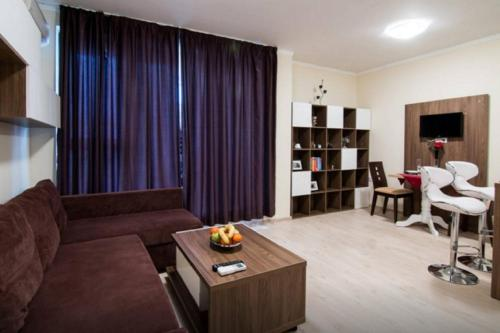 Hotelbilleder: Super Central Luxury Apartment Burgas, Burgas City