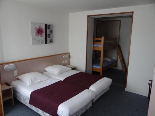 Hotel Pictures: Le Relais De Cornouaille, Châteauneuf-du-Faou