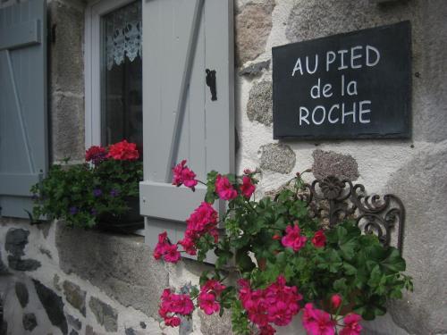 Hotel Pictures: Au Pied de la Roche, Roche-en-Régnier