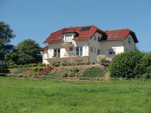 Hotel Pictures: Fewo-Eifel-Morsbach, Schleiden