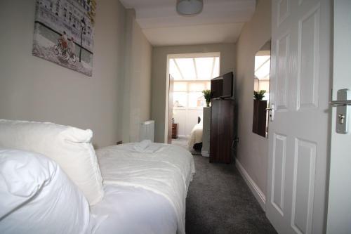 St Anne's Suite 3
