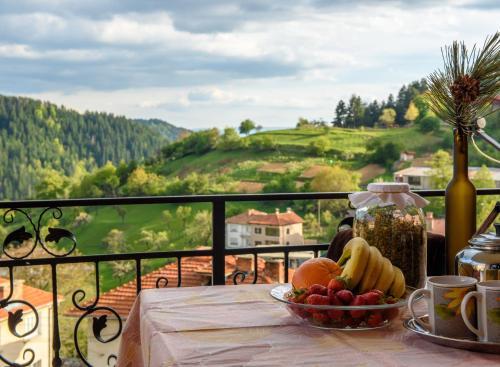 Фотографии отеля: Holiday home Kalina, Momchilovtsi