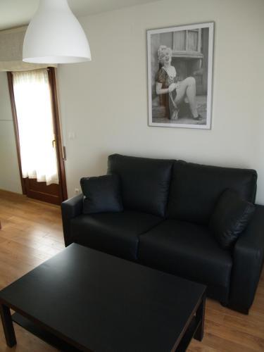 Hotel Pictures: Apartamentos Las Casitas de El Blasón, Coca