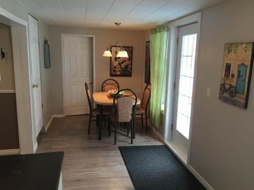 Hotel Pictures: La Maison d'Imelda, Petit-Saguenay