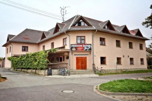 Hotel Pictures: , Šatov