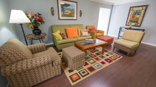 Three Bedroom Home Near Anaheim Attractions