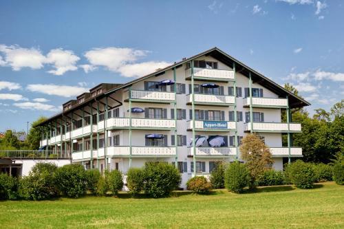 Hotel Pictures: Apparthotel Garni Superior Simseeblick, Bad Endorf