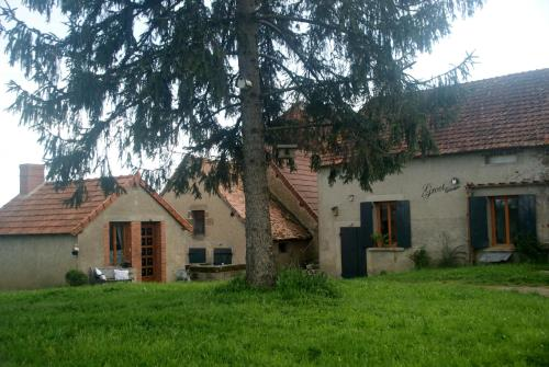 Souvigny hotels hotel booking in souvigny viamichelin for Appart hotel yzeure