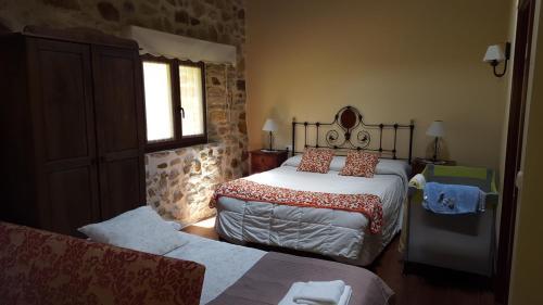 Hotel Pictures: Apartamentos Rurales Larrago, Busturia