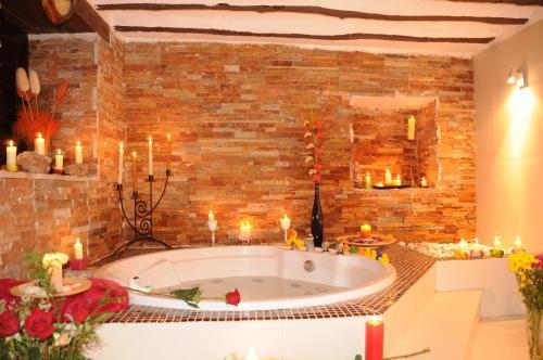 Hotel Pictures: , Caracenilla