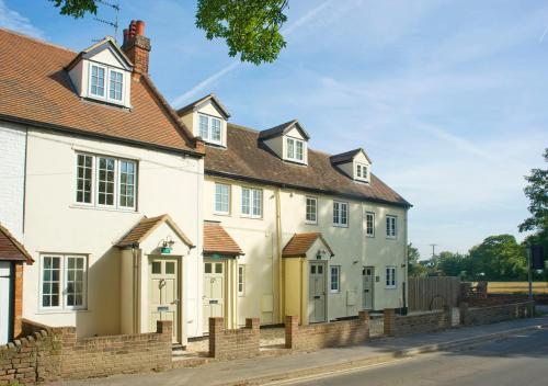 Hotel Pictures: Waterside Serviced Rooms, Apartments and Cottages, Abingdon
