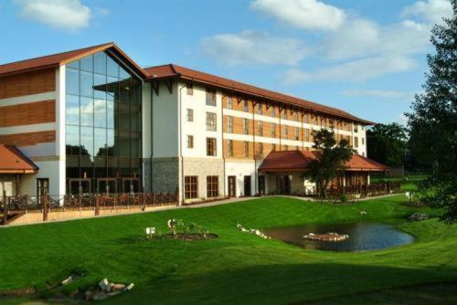 Hotel Pictures: Chessington Hotel, Chessington