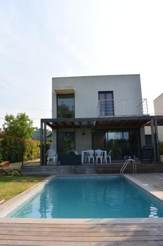 Hotel Pictures: Villa La Roquette, La Roquette-sur-Siagne