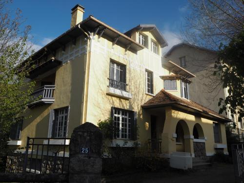 Hotel Pictures: , Ax-les-Thermes