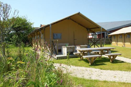 Holiday home Sea Lodge Aan de Duinen