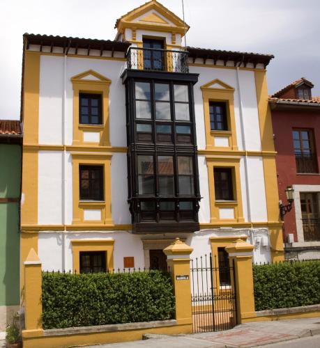 Hotel Pictures: AT Villa Manola, Colombres