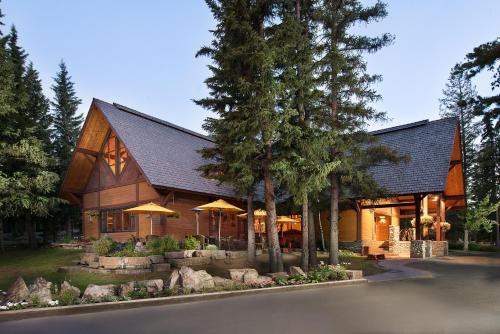 Hotel Pictures: Buffalo Mountain Lodge, Banff