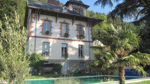Hotel Pictures: Chateau Les Terrasses, Saint-Martin-d'Hères