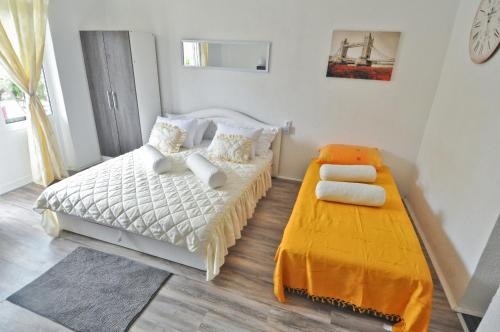 Hotellikuvia: Apartments Djurina, Ivanica