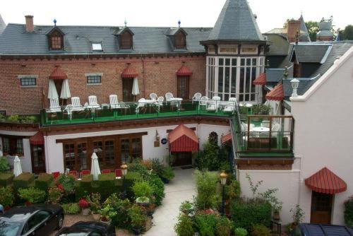 Hotel Pictures: Chateau La Tour Du Roy, Vervins
