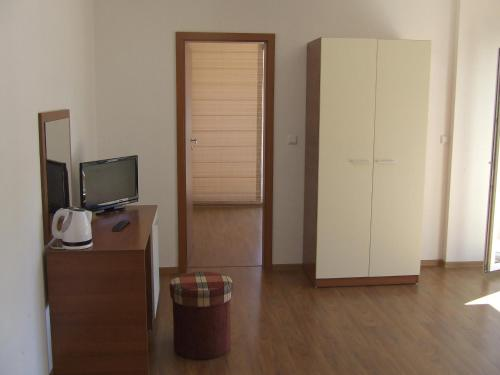 Фотографии отеля: Guest House Neptun, Приморско