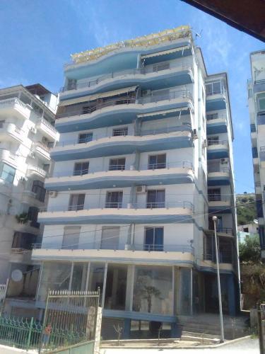 Hotel Pictures: Primavera Apartments, Sarandë