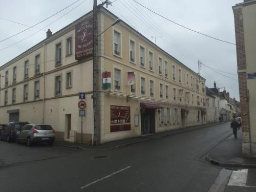Hotel Pictures: , Châteaudun