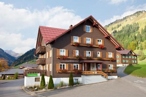 Foto Hotel: Gästehaus Widderstein, Mittelberg