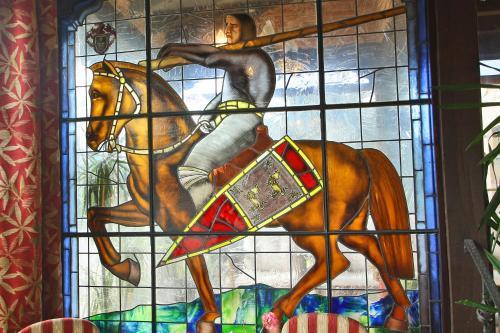 Hotel Pictures: Posada Medieval El Manjon, Los Corrales de Buelna