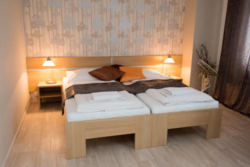 Hotel Pictures: , Břeclav