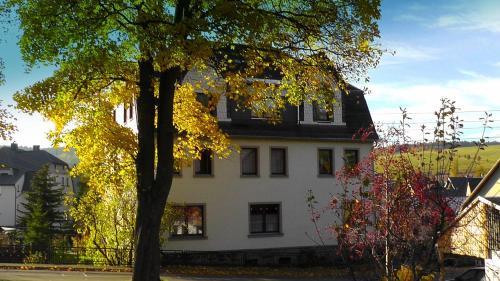 Hotel Pictures: Ferienwohnung im Sehmatal, Neudorf