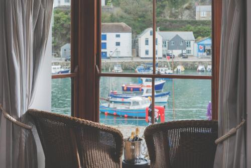 Hotel Pictures: Harbour Inn, Porthleven