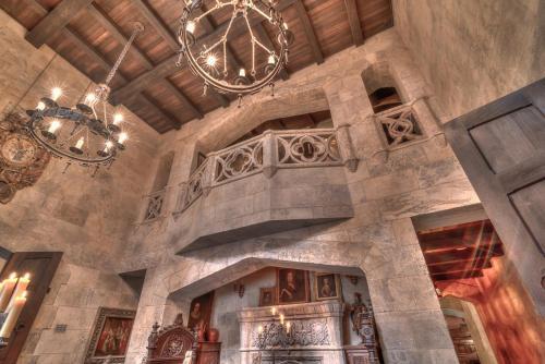 Hotel Pictures: Stone Hall Castle, Regina