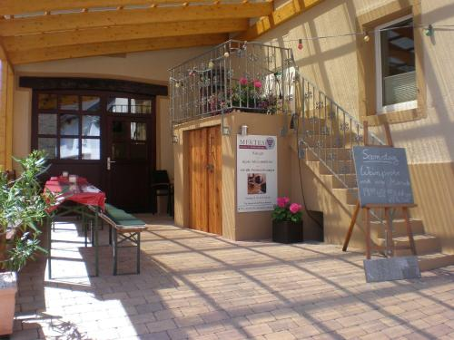 Hotel Pictures: Holiday Home Weingut Mertes, Minheim