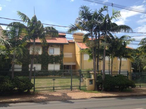 Hotel Pictures: Rodrigues Flats, Barão de Geraldo
