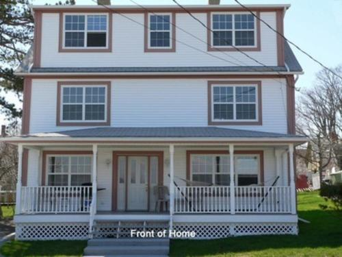 Spectacular Annapolis Valley Oceanside Luxury Cottage