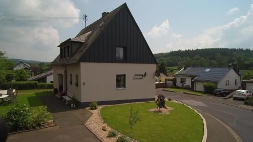 Hotel Pictures: Gästehaus Eifelzauber, Kelberg