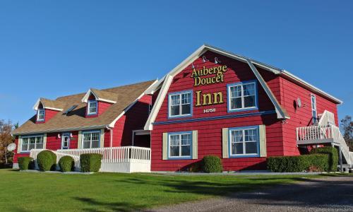 Hotel Pictures: Auberge Doucet Inn, Chéticamp