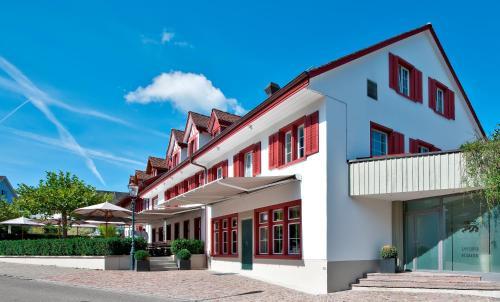 Hotel Pictures: Hotel-Restaurant Löwen, Dielsdorf