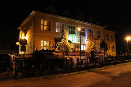 Hotel Pictures: , Svatý Jan pod Skalou