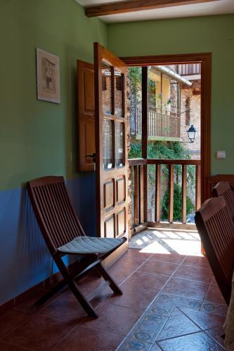 Hotel Pictures: Casa Rural Valle del Arrago, Robledillo de Gata