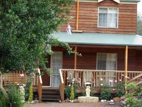 Hotellbilder: Hollyville Cottage, Toolangi