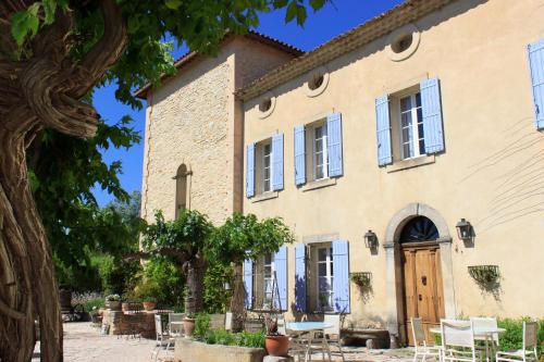 Hotel Pictures: Les Carmes and spa, Le Thor