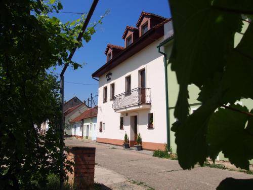 Hotel Pictures: Penzion u Ivana, Bořetice