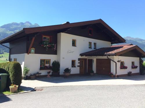 Hotel Pictures: Haus Deutinger, Piesendorf