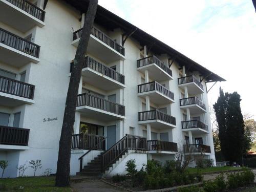 Hotel Pictures: Appartement face au port, Hossegor
