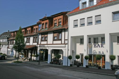 Hotel Pictures: Hotel & Restaurant Goldener Pflug, Ludwigsburg