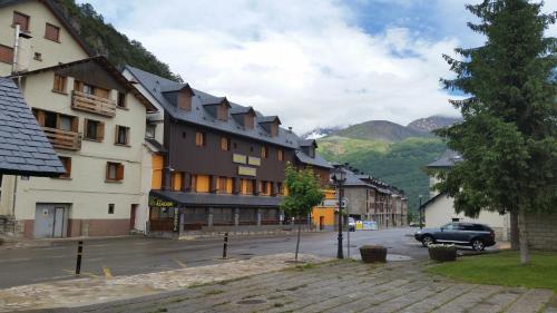 Hotel Pictures: Hotel Sarao, Escarrilla